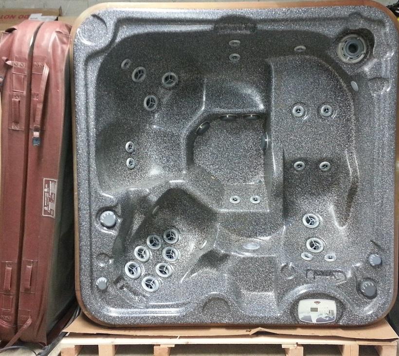arctic spas cub used hot tub